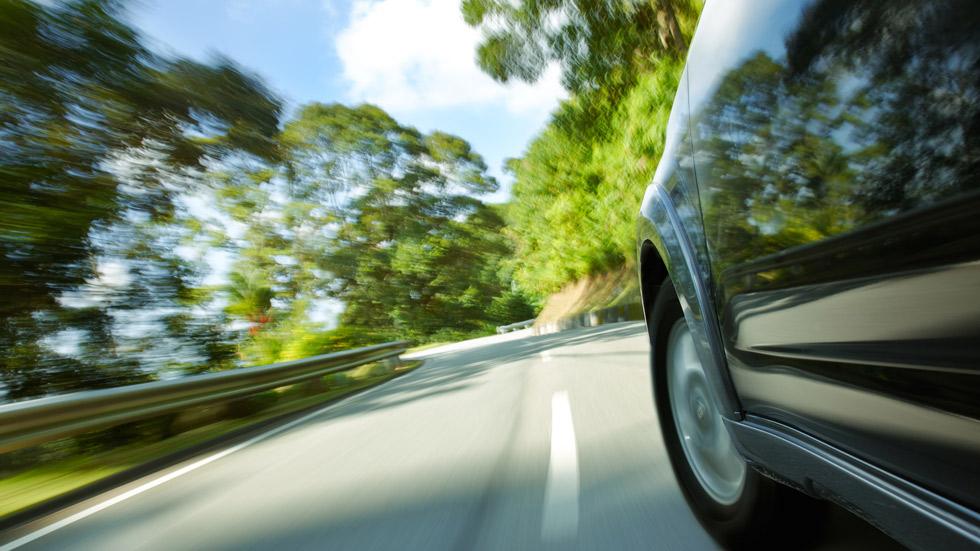 ¿Afecta la velocidad inadecuada al desgaste de tu coche?