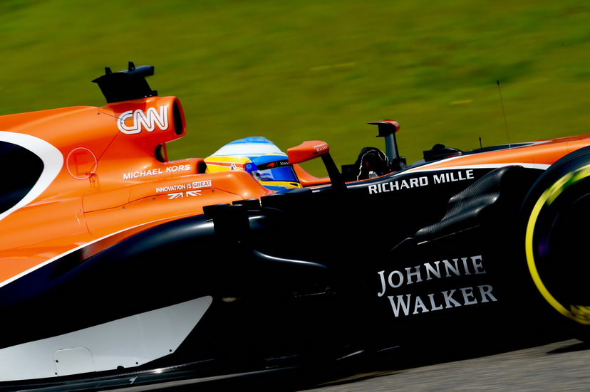 GP de Baréin de F1: Alonso suma tres victorias en Sakhir