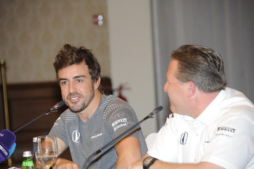 """""""Vamos a ir una a una, empezamos por las 500 Millas"""", comentó Alonso"""