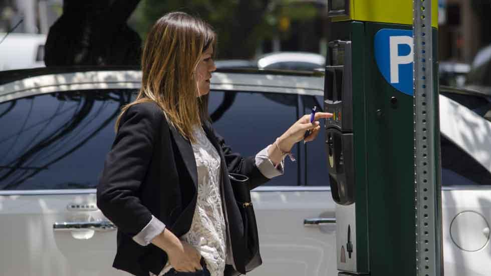 Los controladores de Madrid llevarán cámaras para que las multas de aparcamiento no se puedan recurrir