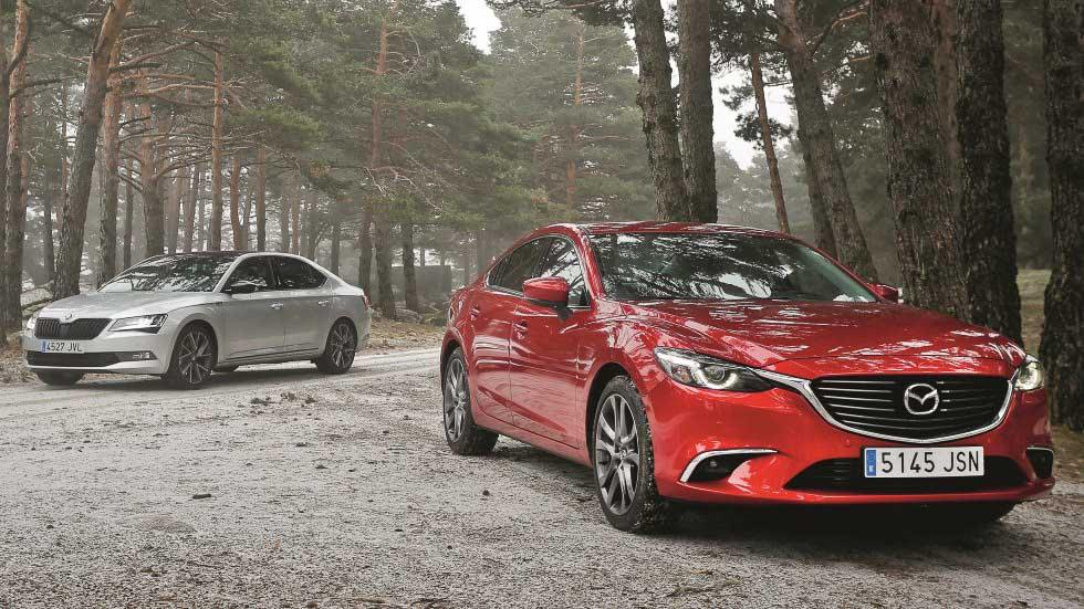 Mazda 6 2.5 vs Skoda Superb 1.8 TSI: los comparamos y medimos