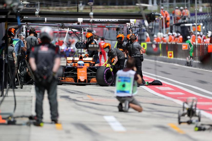 """GP de Rusia de F1: """"es increíble el tiempo que perdemos en recta"""", dice Alonso"""