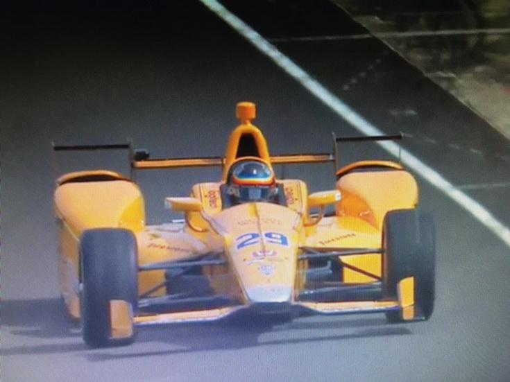 Primeras vueltas de Fernando Alonso con el McLaren-Honda-Andretti
