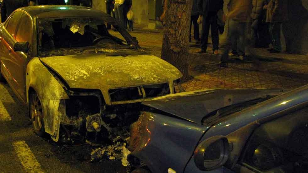 La mafia del transporte: coches quemados por 'competencia desleal'