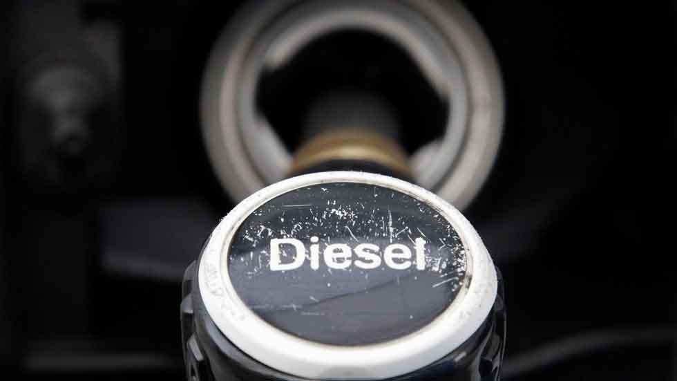 El fin del Diesel, más cerca: restricciones y caída en ventas