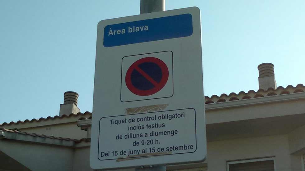 Un pueblo catalán pierde sus multas por no tener las señales en castellano