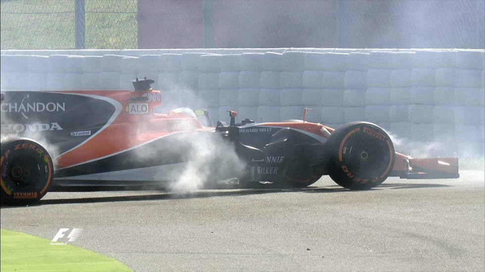 GP de España de F1: Alonso se para en su primera vuelta