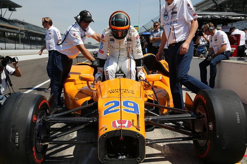 500 Millas de Indianapolis: cambio de motor en el monoplaza de Fernando Alonso