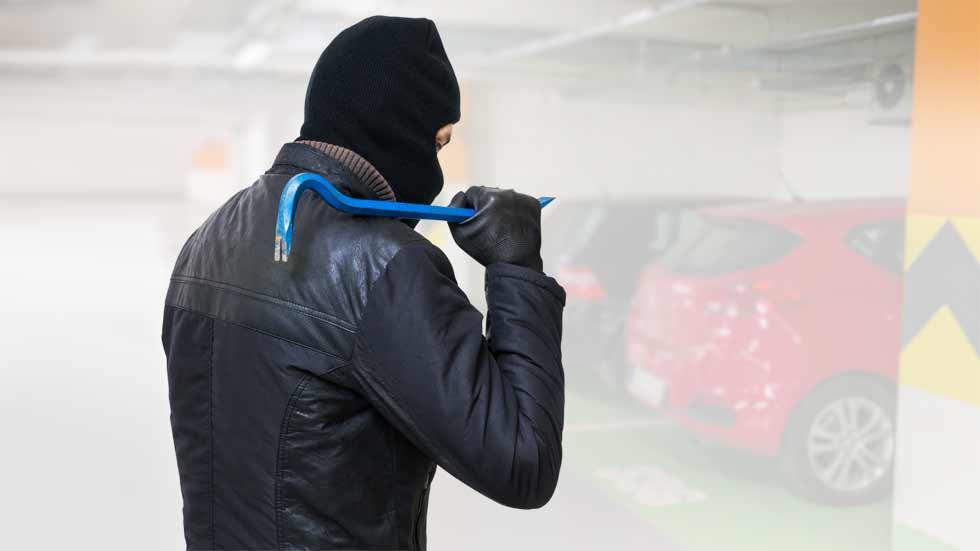 Cómo evitar pequeños robos en tu coche (retrovisores, antenas, escobillas...)