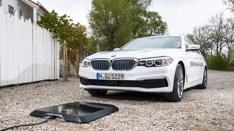BMW estrenará la carga inalámbrica de coches eléctricos en 2018