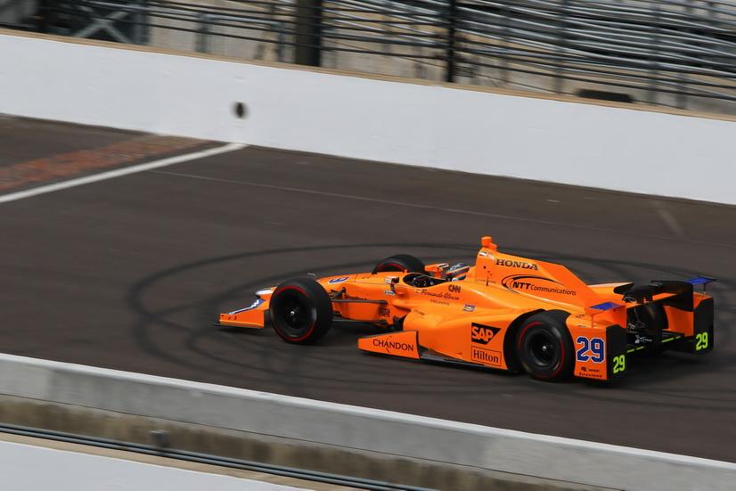 """500 Millas de Indianápolis: Alonso quinto en el """"Carb Day"""""""