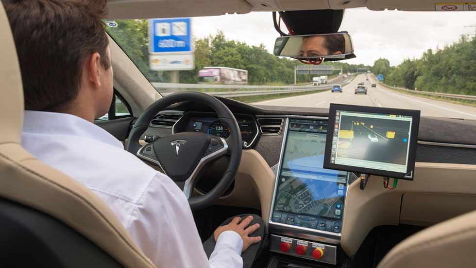 Bosch y TomTom crean un mapa inteligente para coches autónomos