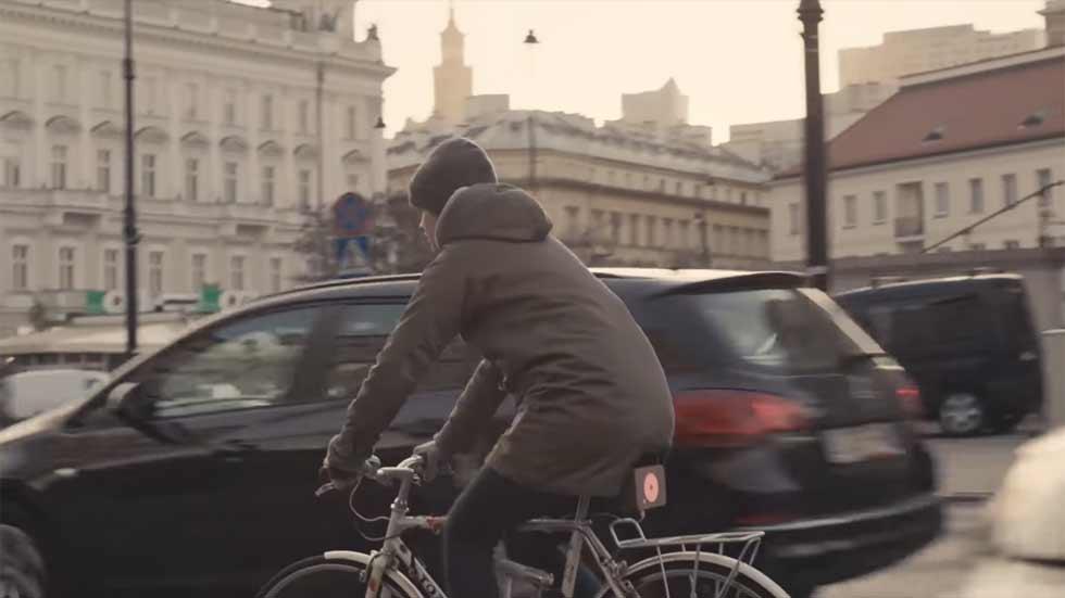 Inventan un timbre de bici que suena dentro de los coches (vídeo)