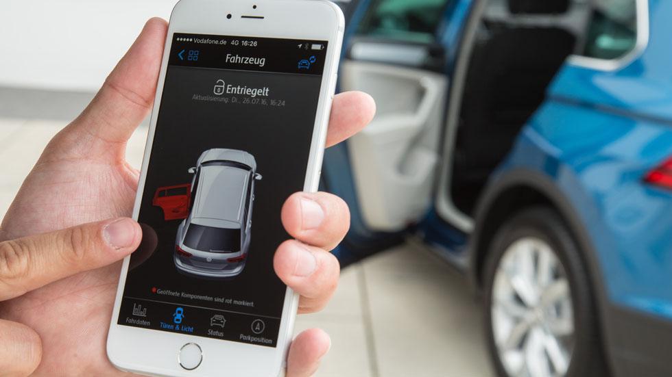 Apple anuncia que ya trabaja en coches autónomos
