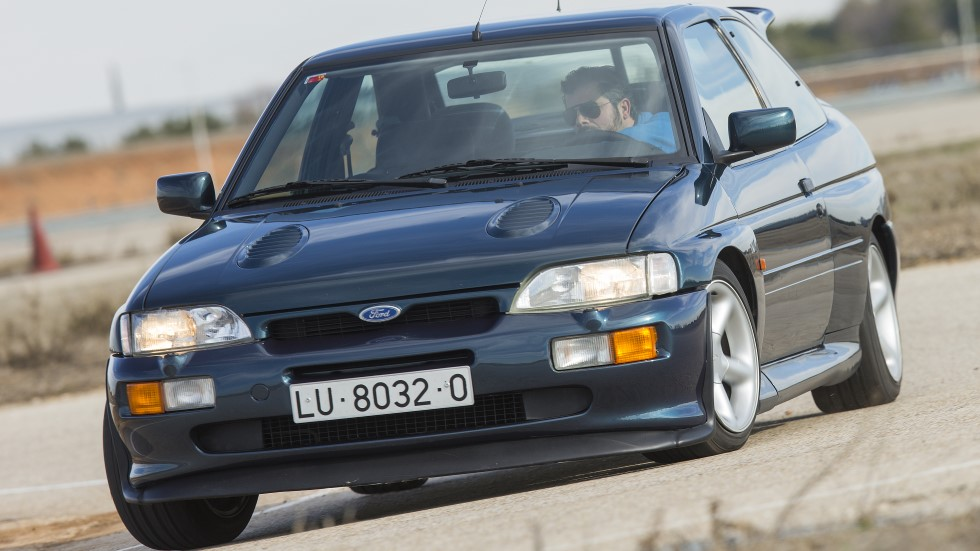 Coches deportivos míticos: Ford Escort RS Cosworth