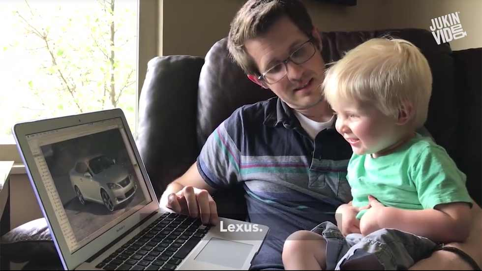 ¡Increíble! El niño de 1 año que conoce todos los coches (vídeo)