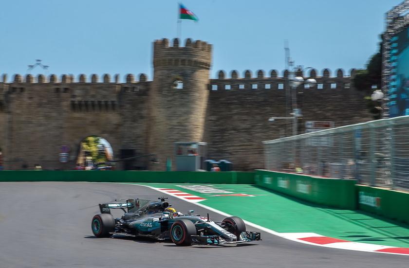 GP de Azerbaiyán de F1: impresionante pole de Lewis Hamilton