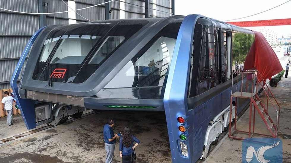 El autobús total que sorteaba los atascos… y que nunca existirá