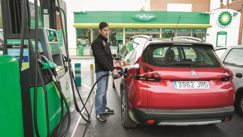 ¡Ahorra! 11 consejos para gastar menos en combustible
