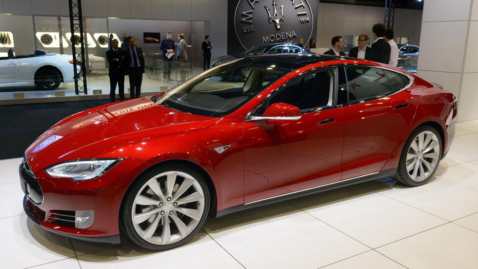 Tesla se alía con El Corte Inglés para vender sus coches