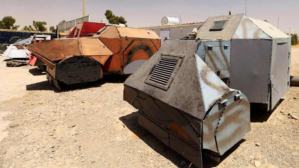Irak expone cómo el Estado Islámico convierte todoterrenos en coches bomba y tanques
