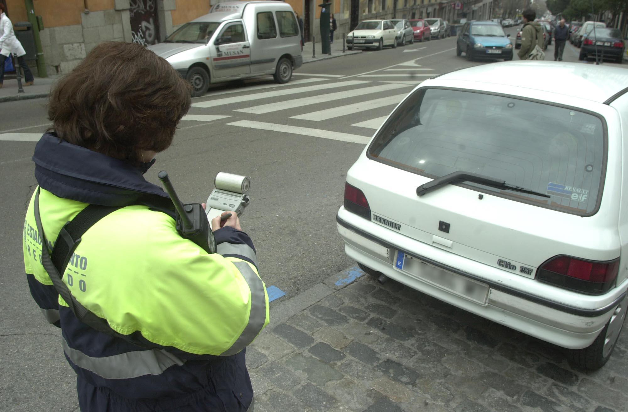 Las multas de aparcamiento en Zona SER deberán incluir tres fotos