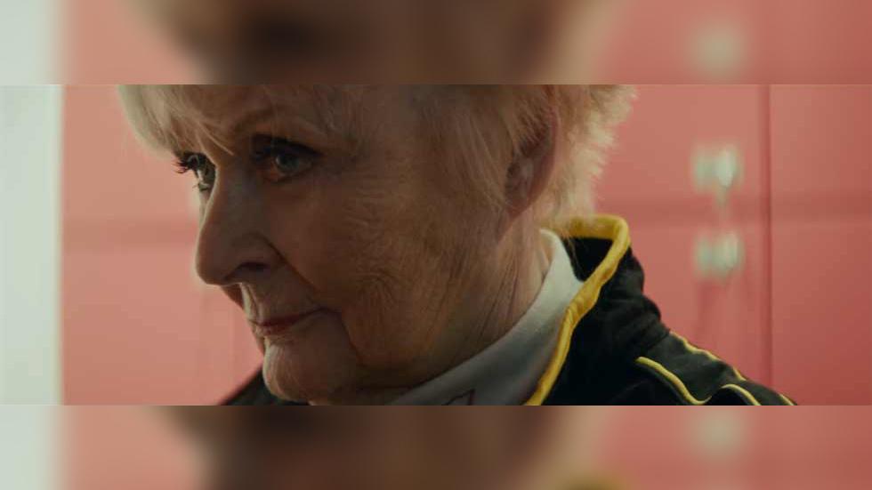 Una mujer de 79 años pilota un Fórmula 1