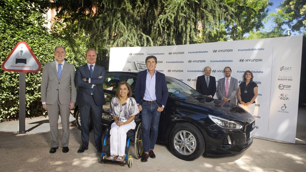 Hyundai presta un coche gratis a los grupos ciclistas que lo soliciten