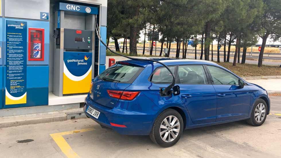 Seat le n st 1 4 tgi de gas natural prueba de larga for Imagenes de gas natural