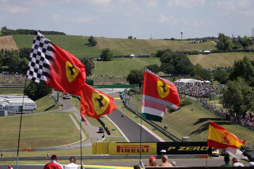 GP de Hungría de F1: primera fila para Ferrari