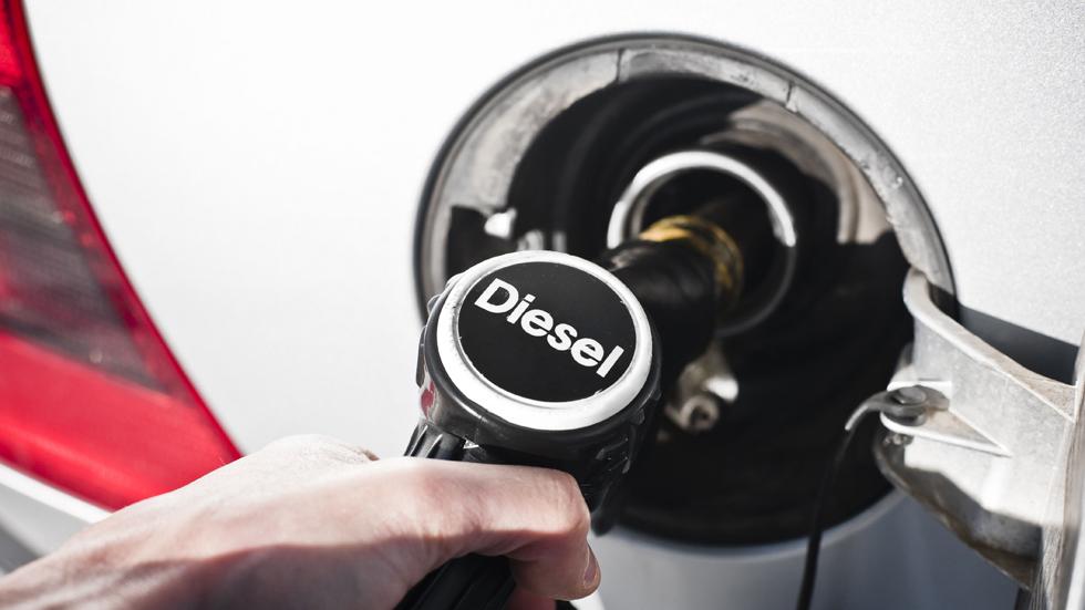 Acuerdo entre el Gobierno alemán y los fabricantes para salvar el Diesel