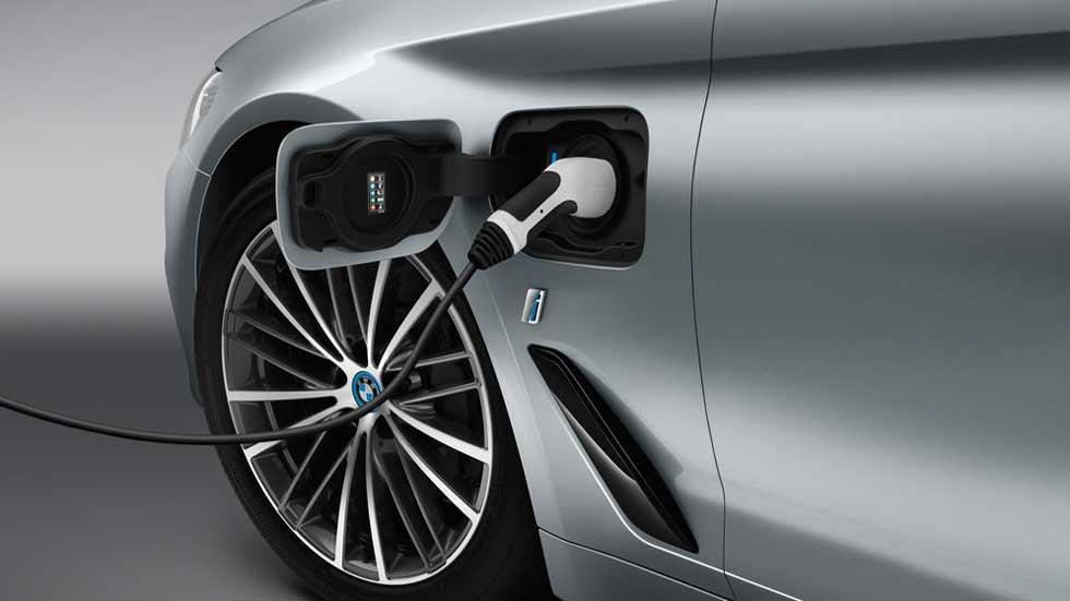 """BMW anuncia una """"sorpresa excitante"""" en el Salón de Frankfurt 2017"""
