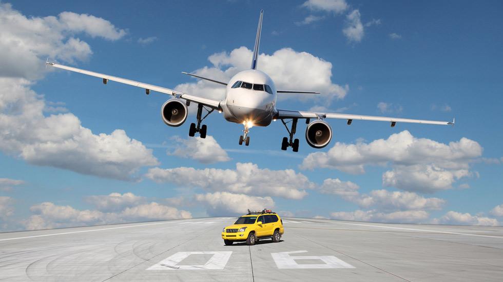 Al aeropuerto en coche, ¿cuál es la opción más barata?