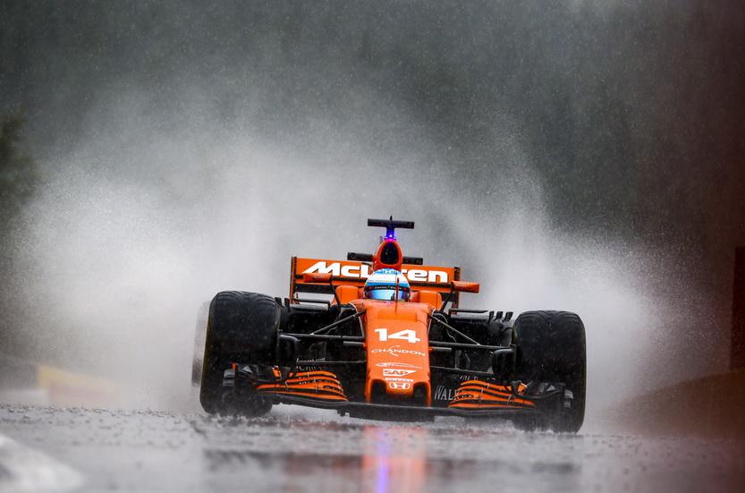 GP de Bélgica: Alonso se atrevió a salir con la lluvia