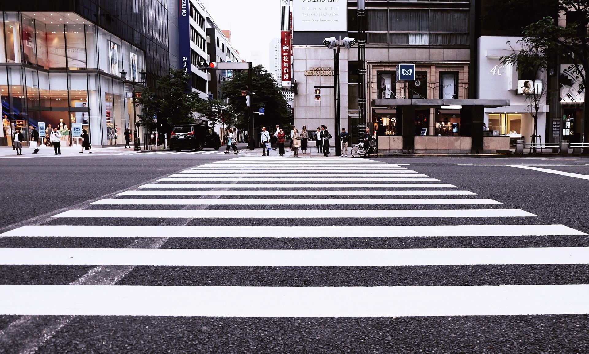 Paso de peatones: 10 claves para cruzar con seguridad