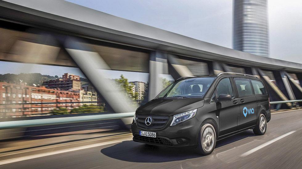 Minibuses urbanos a la demanda con la empresas Via y Mercedes