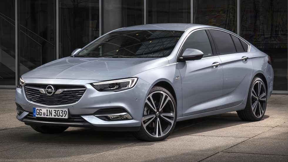 El Opel Insignia, con nuevo motor biturbo Diesel de 210 CV