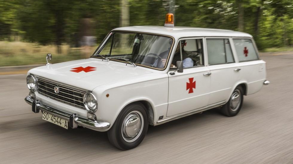 Coches para el recuerdo: Seat 124 Ambulancia (prueba)