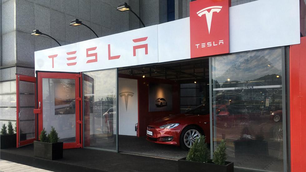 Tesla inaugura una nueva tienda temporal en Madrid