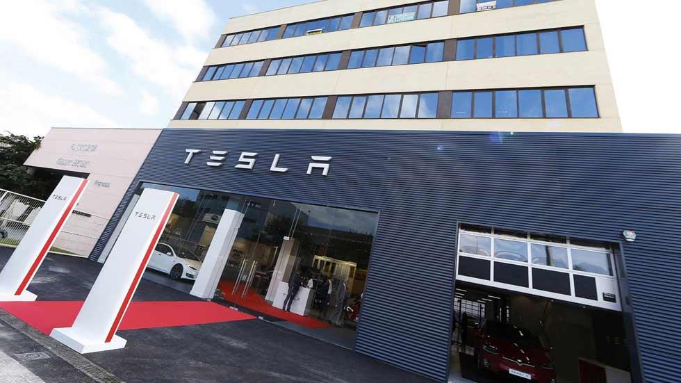 Tesla abre su primer concesionario y taller en España: así es