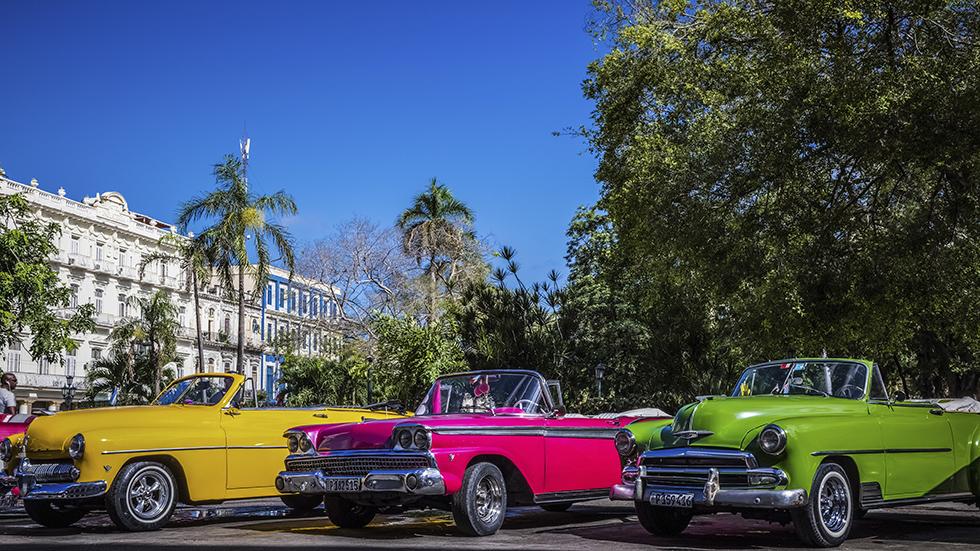 El color del coche influye en el seguro, en la reventa, en la seguridad vial...
