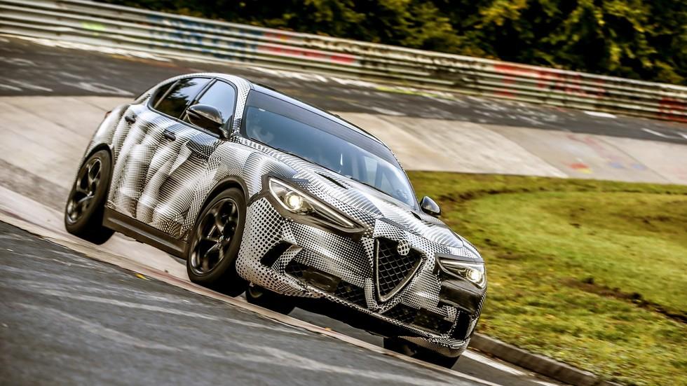 Alfa Romeo Stelvio Quadrifoglio: el SUV más rápido (récord en Nürburgring)