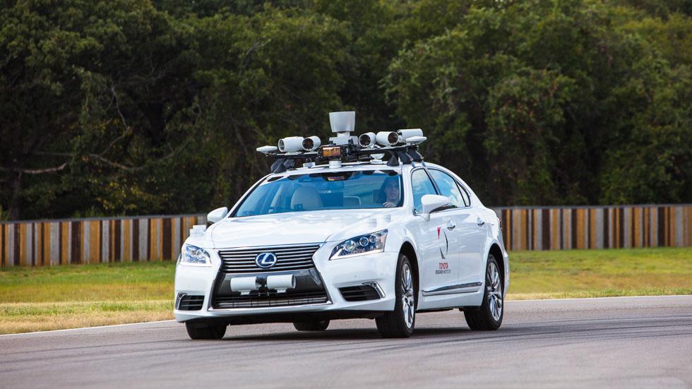 Toyota anuncia sus últimos avances en conducción automatizada (VÍDEO)