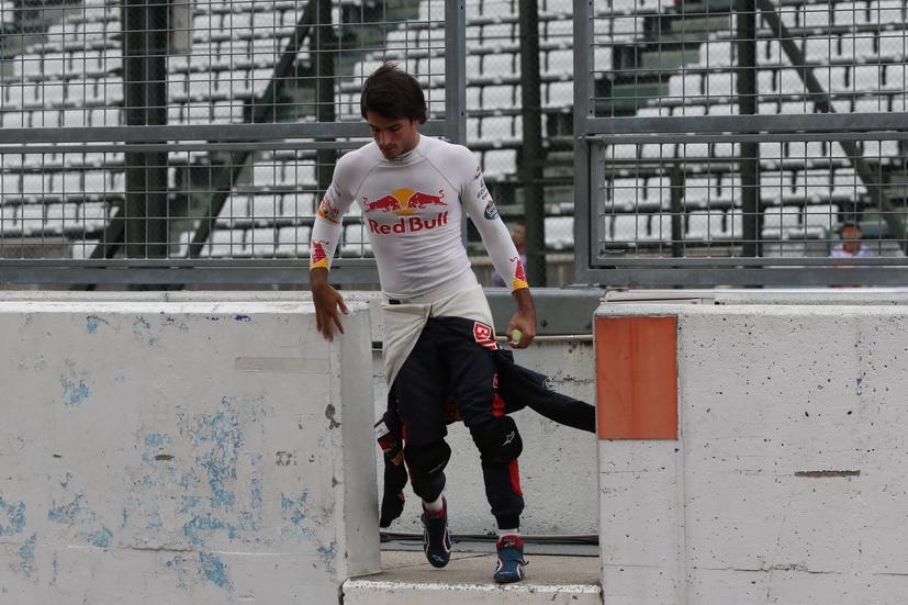 """GP de Japón: """"Un viernes complicado"""", según Sainz"""