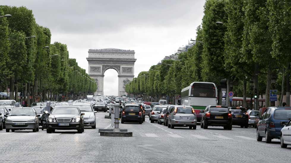París prohibirá los coches Diesel para 2024 y los gasolina en 2030