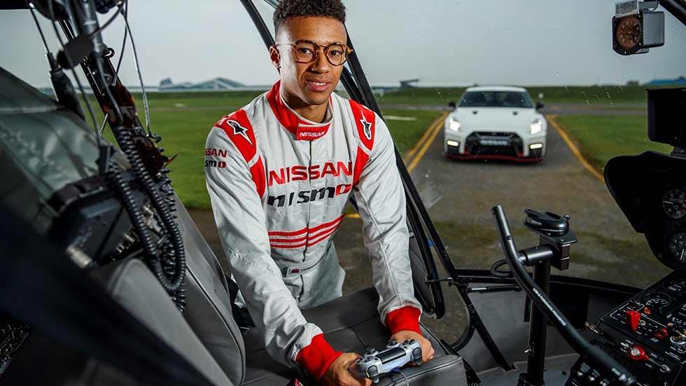 VÍDEO: un Nissan GT-R, controlado por Playstation, vuela en Silverstone a más de 210 km/h