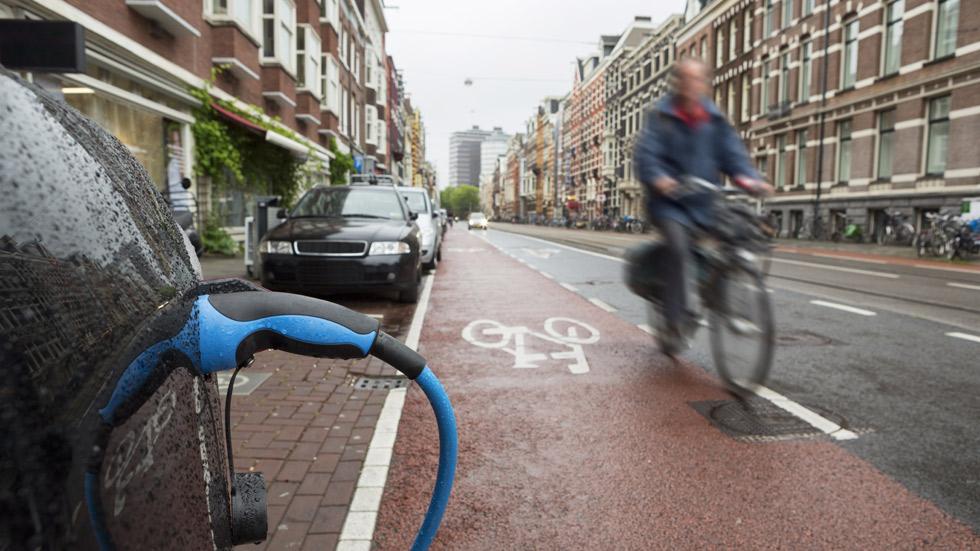 Holanda también podría prohibir la venta de coches Diesel y gasolina en 2030