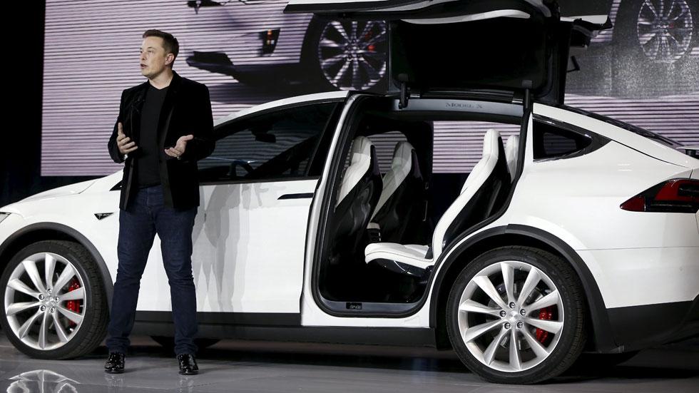 ¿Crisis en Tesla? Objetivos de producción no logrados, despidos...