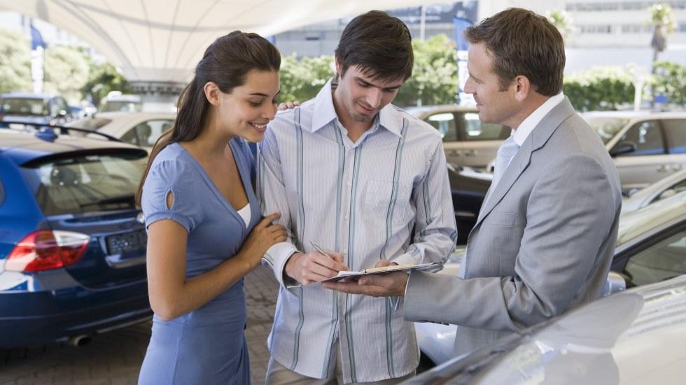 Opinión: tiempo de comprar coche con cabeza