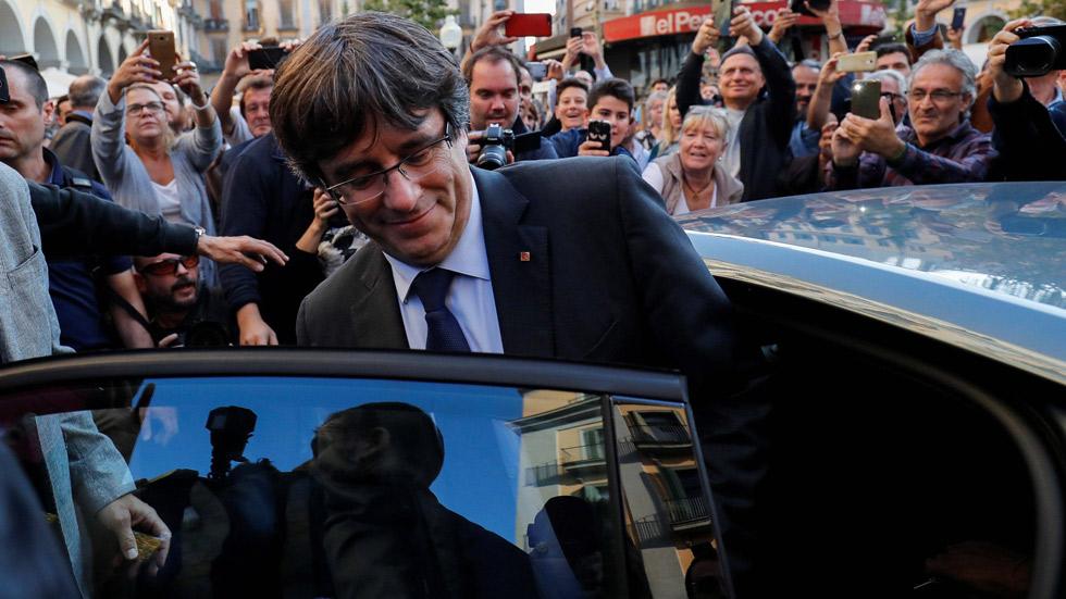 El Gobierno retira los coches oficiales de la Generalitat de Cataluña